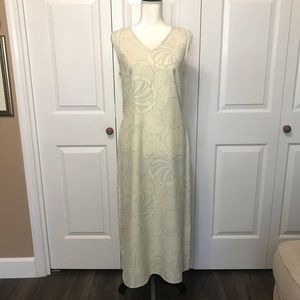 • Tommy Bahama 100% Silk V-Neck Sheath Dress •